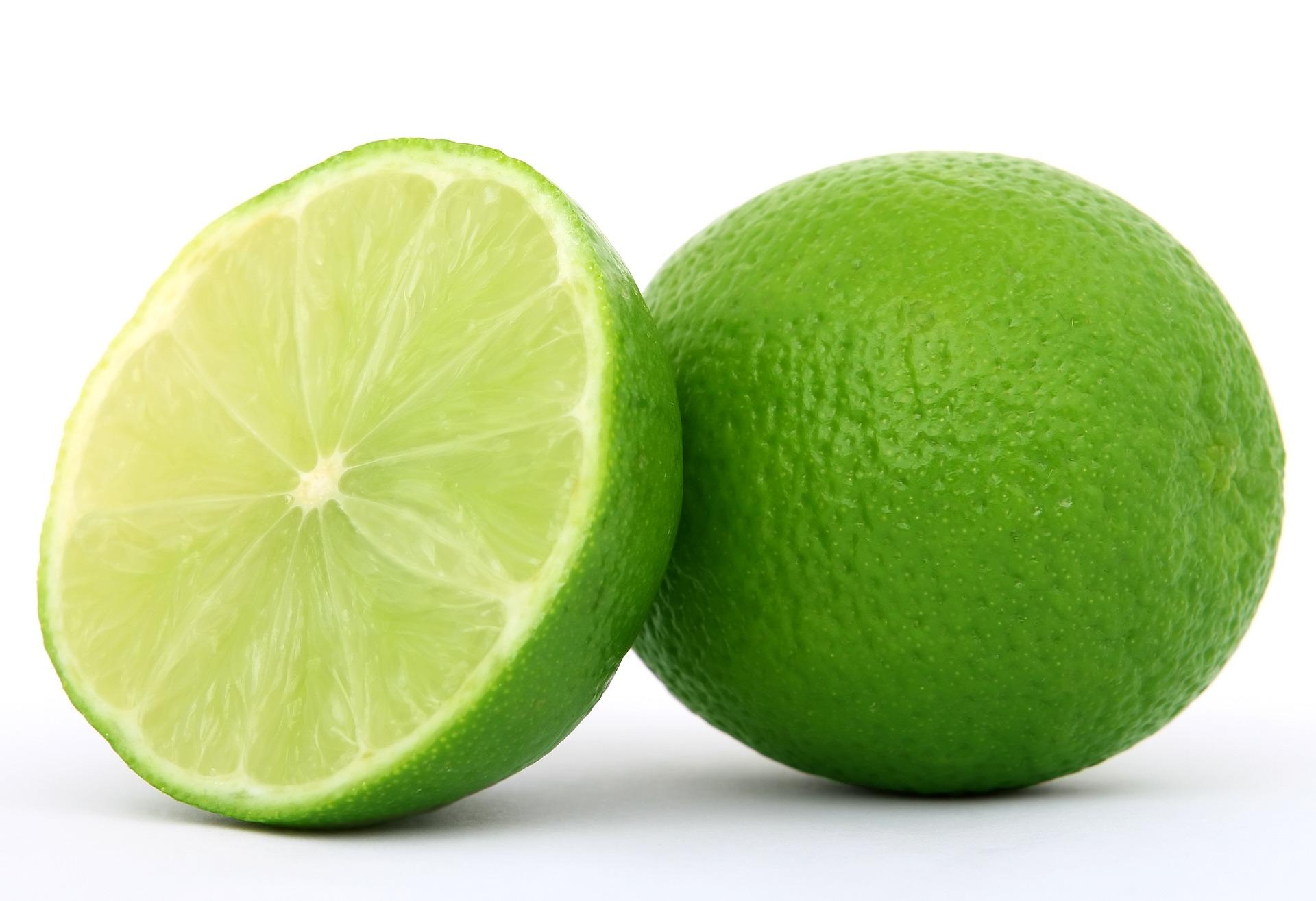 Limón o lima persa